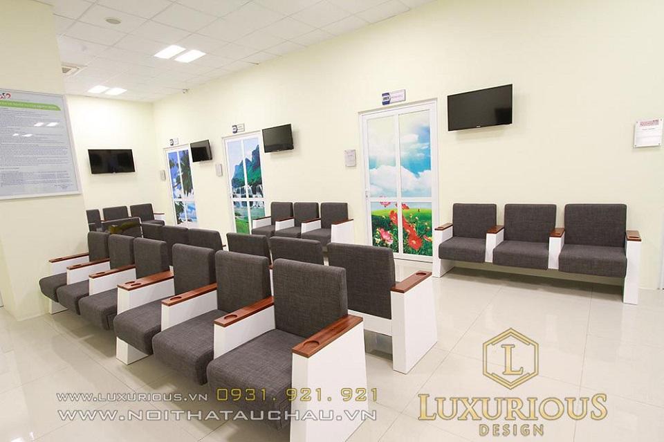 Không gian bệnh viện sạch sẽ và thoáng đãng