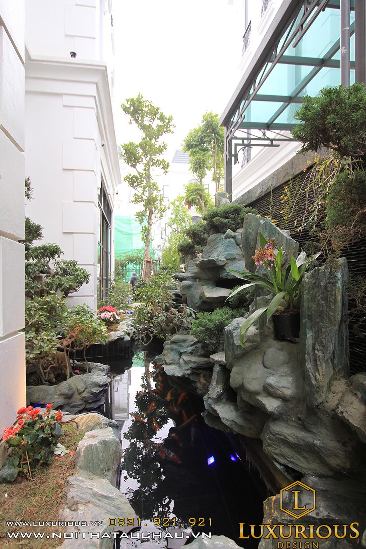 Sân vườn biệt thự vinhome