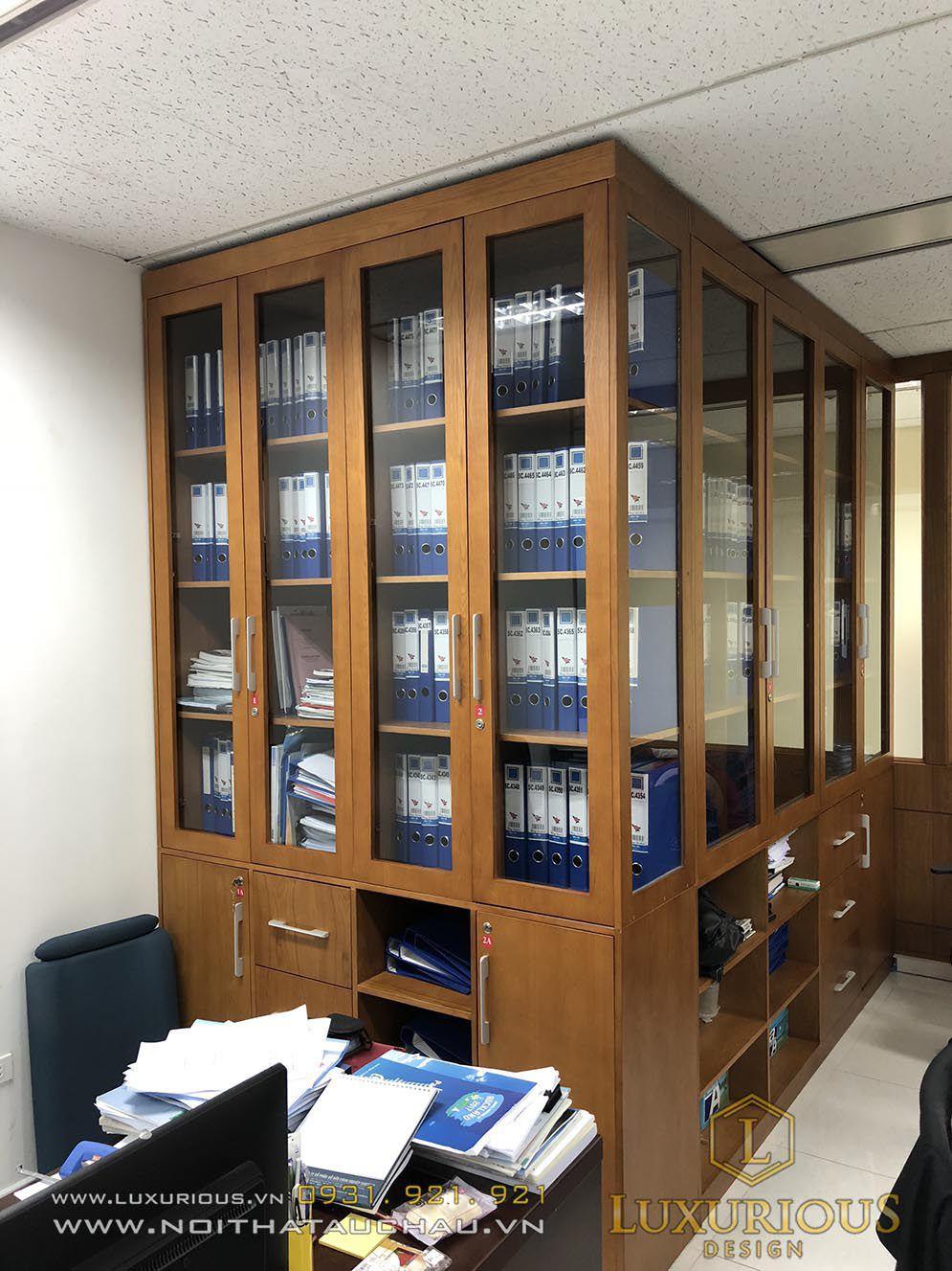 Nội thất văn phòng Investip