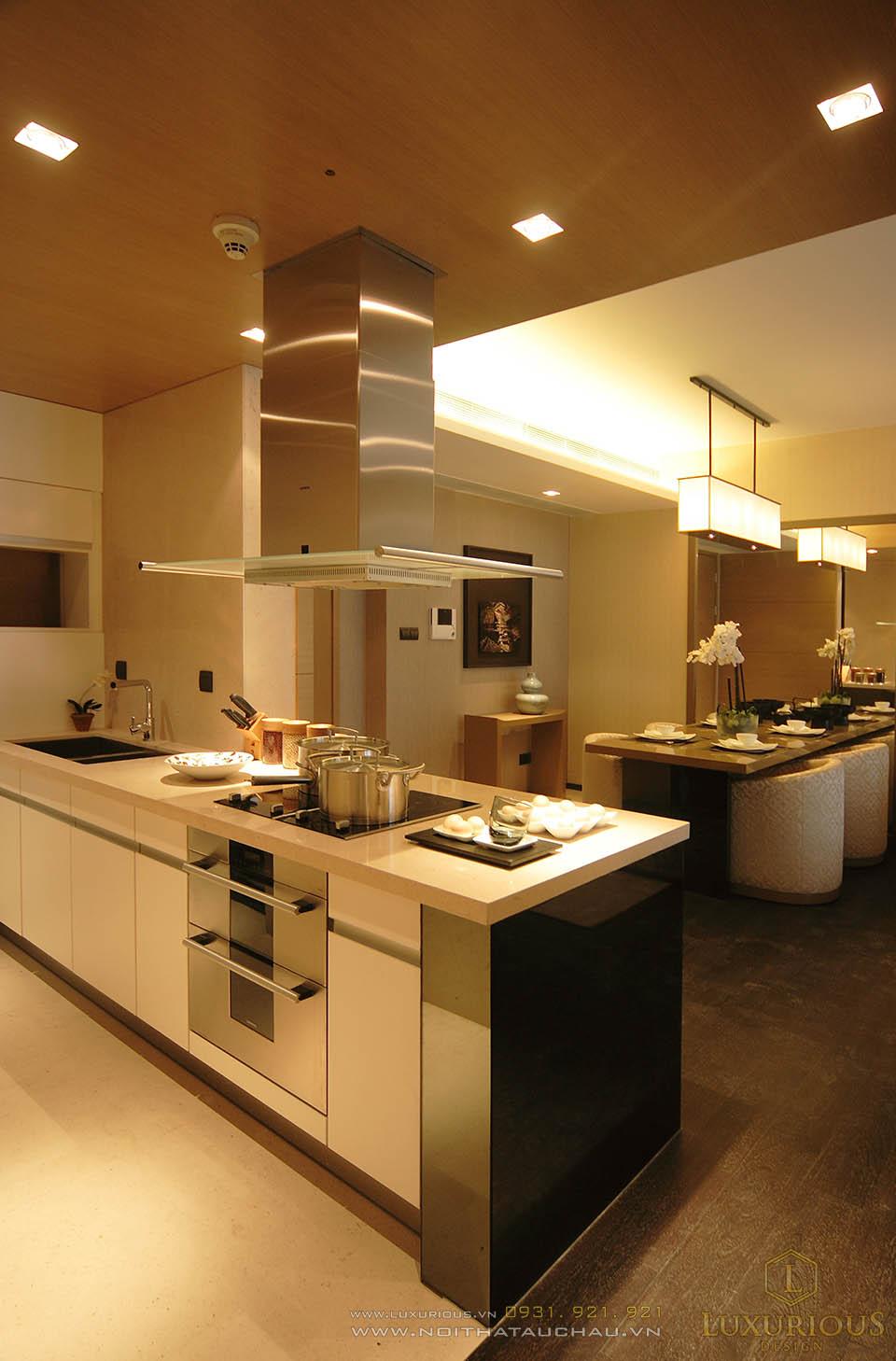 Phòng bếp chung cư cao cấp ấm cúng sang trọng