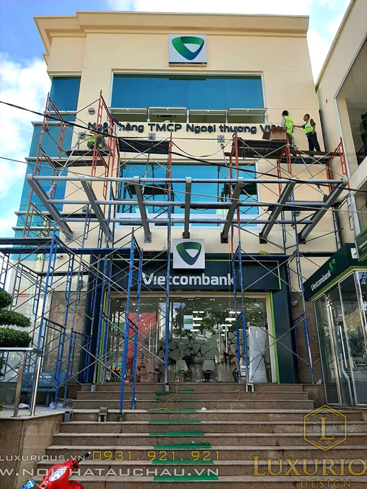 Thi công mặt tiền ngân hàng vietcombank