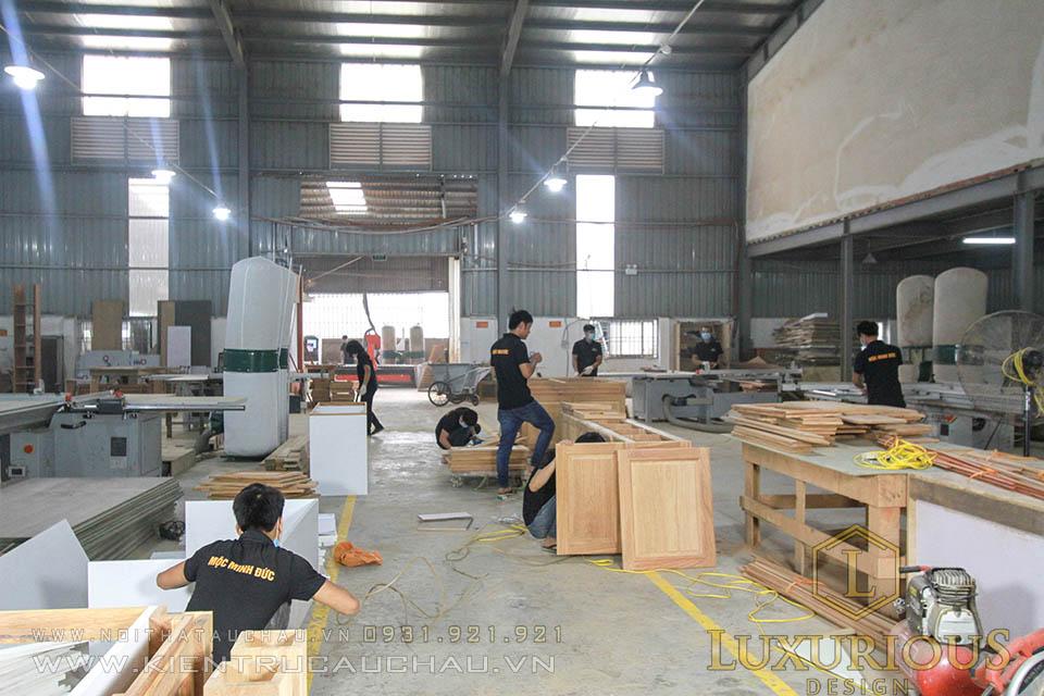 Thợ sản xuất nội thất gỗ tự nhiên