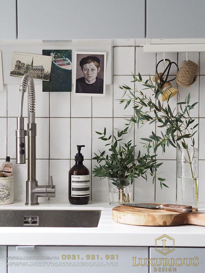 Phòng bếp mang những gam màu trung tính
