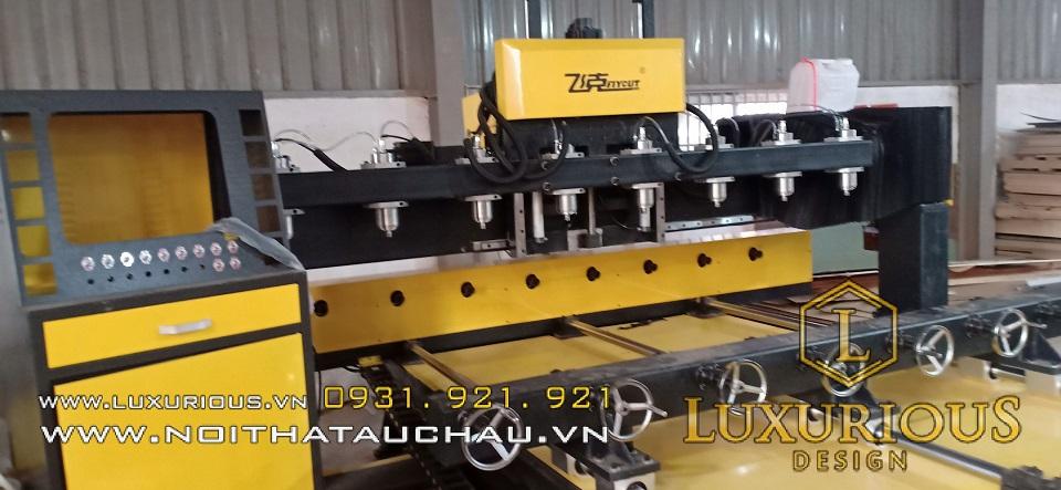 Nhà máy sản xuất gỗ tân cổ điển máy móc hiện đại