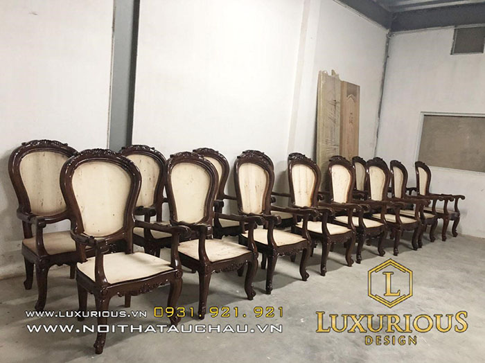 Ghế bàn ăn phong cách tân cổ điển