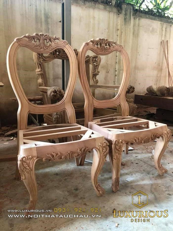Ghế chạm khắc thủ công theo yêu cầu của khách hàng