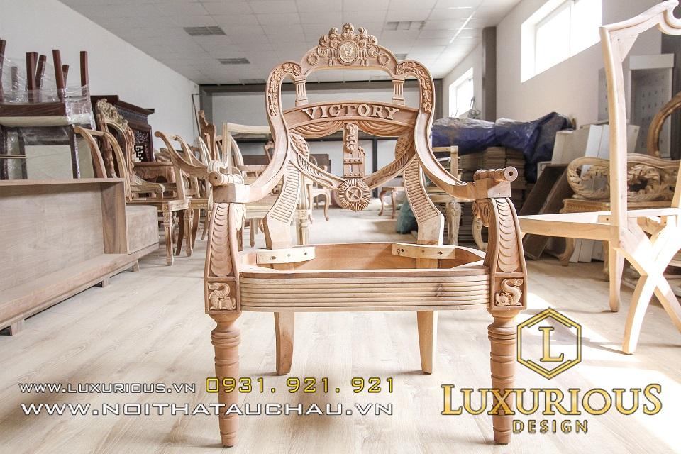 Bàn ghế tân cổ điển gỗ khẳng định đẳng cấp gia chủ