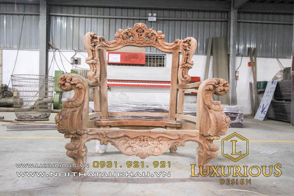 Nhà máy sản xuất nội thất gỗ tân cổ điển