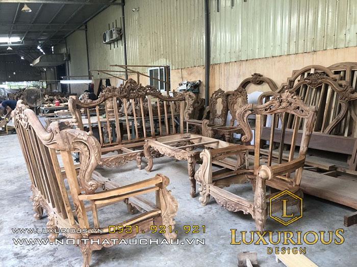 Sản xuất bàn ghế gỗ tự nhiên