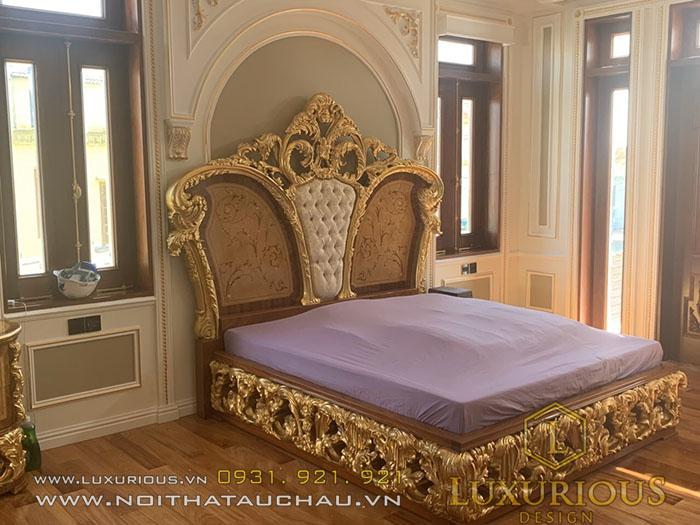 Giường cổ điển mạ vàng