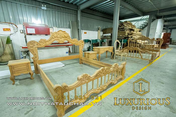 Khung giường gỗ tự nhiên chưa sơn