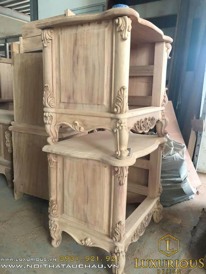 Tab nội thất gỗ tân cổ điển
