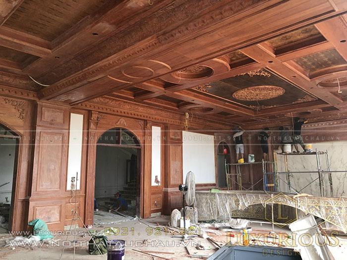Thi công trần gỗ dinh thự