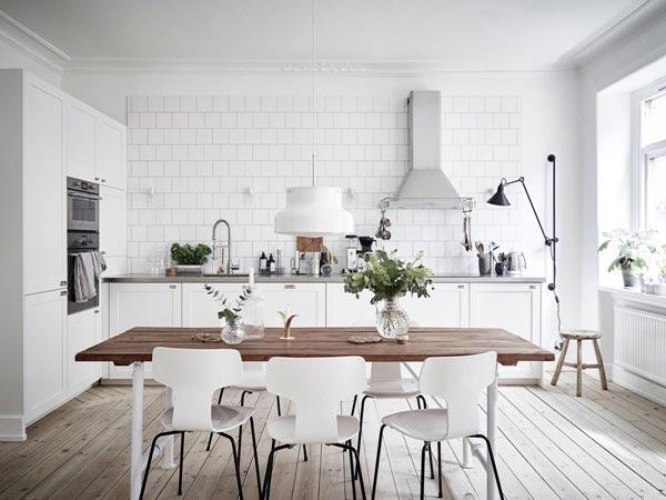 Phòng bếp Scandinavia nhẹ nhàng và thanh lịch