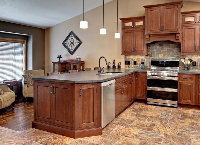 Tủ bếp sử dụng gỗ tự nhiên