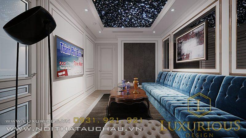 Không gian sống đầy tiện nghi của căn hộ penthouse tân cổ điển còn được tích hợp thêm một phòng karaoke sang trọng