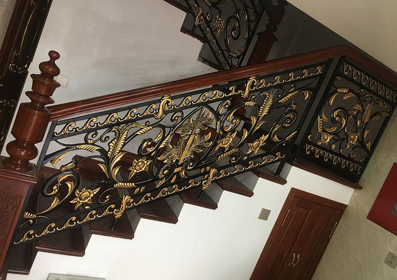 Cầu thang được thi công tỉ mỉ đến từng chi tiết đảm bảo tính thẩm mỹ tối đa