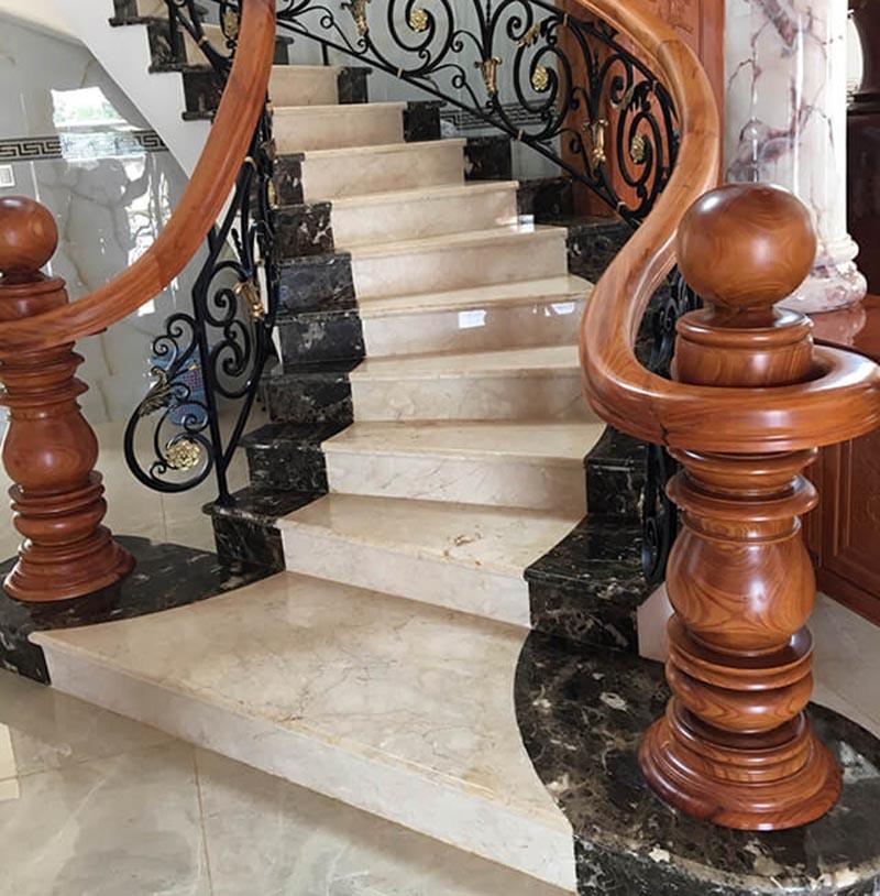 Mẫu trụ cầu thang gỗ tân cổ điển