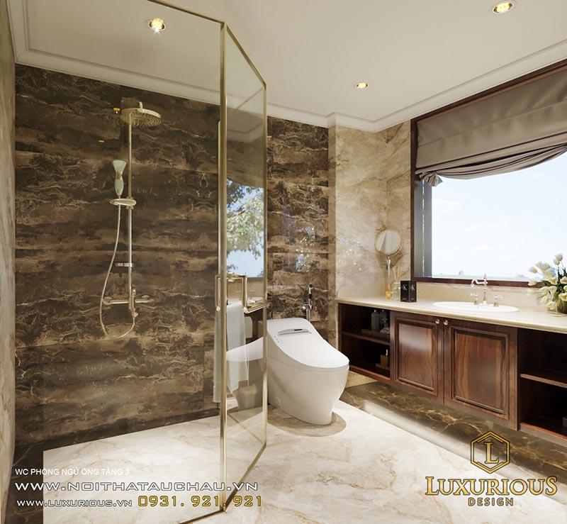 Nhà WC tân cổ điển có vách kính đẹp